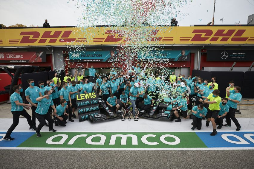 Mercedes AMG Petronas clinches 7th straight F1 titles Image #1202297
