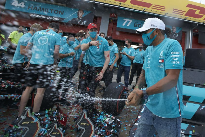 Mercedes AMG Petronas clinches 7th straight F1 titles Image #1202299