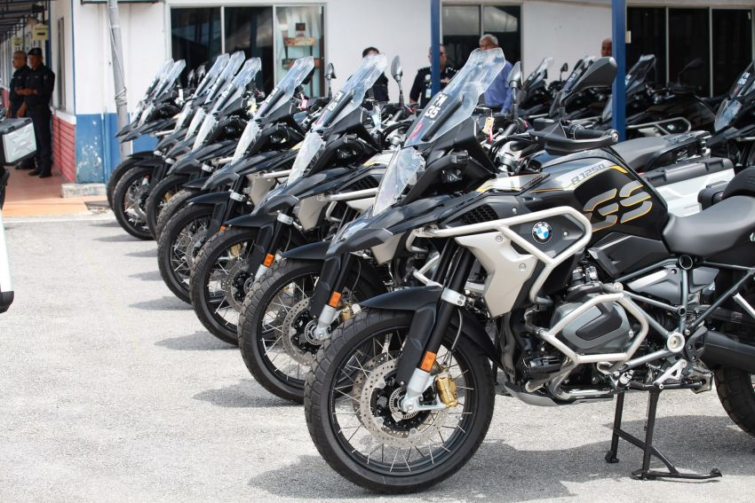PDRM adds 39 Toyota Hilux 2.8 Black Edition and 24 BMW R 1250 GS vehicles to its fleet – K9 unit, UTK use Image #1209970