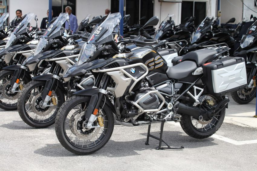 PDRM adds 39 Toyota Hilux 2.8 Black Edition and 24 BMW R 1250 GS vehicles to its fleet – K9 unit, UTK use Image #1209968
