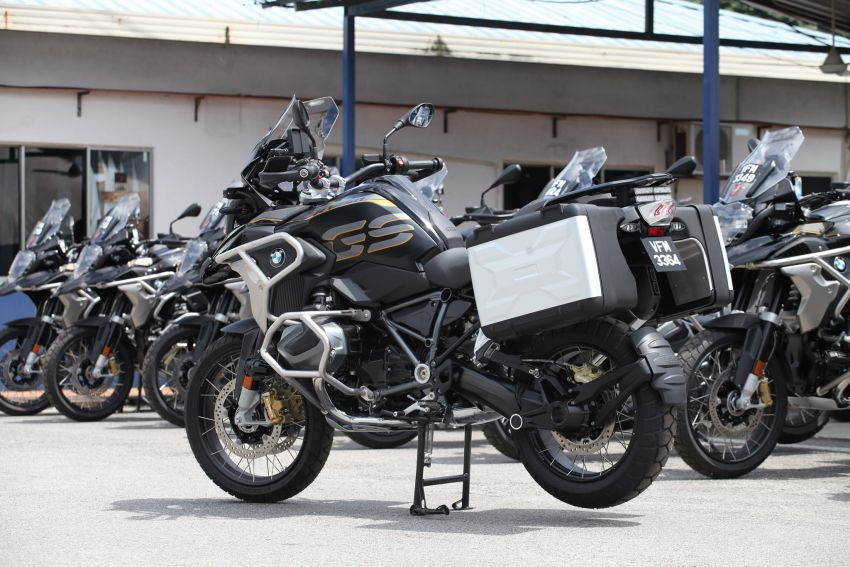 PDRM adds 39 Toyota Hilux 2.8 Black Edition and 24 BMW R 1250 GS vehicles to its fleet – K9 unit, UTK use Image #1209969