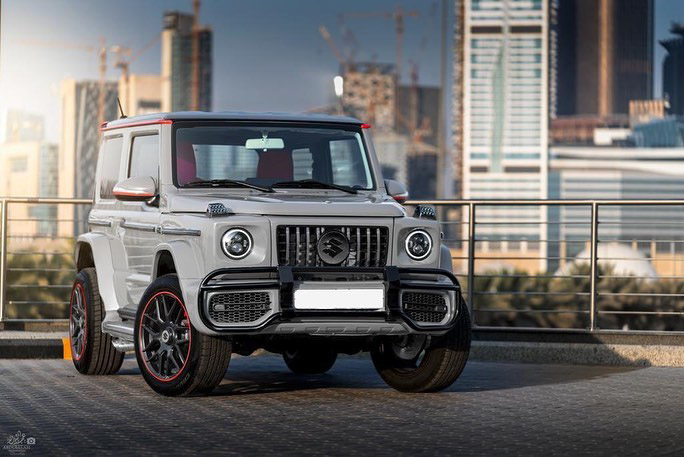 Suzuki Jimny with G-Class conversion kit takes on the Mercedes-Benz G500 4×4² – look at the size difference! Image #1218174