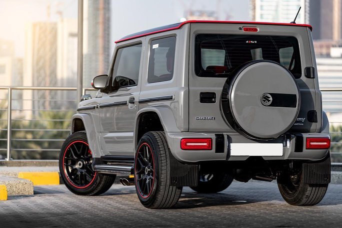 Suzuki Jimny with G-Class conversion kit takes on the Mercedes-Benz G500 4×4² – look at the size difference! Image #1218175