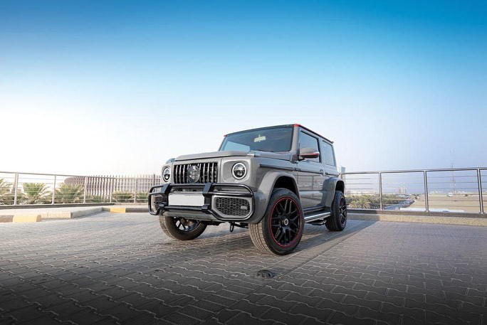Suzuki Jimny with G-Class conversion kit takes on the Mercedes-Benz G500 4×4² – look at the size difference! Image #1218181