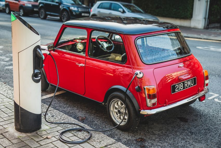 Swindon Powertrain introduces EV conversion kit for classic Mini – output up to 161 hp; priced from RM48k Image #1203937