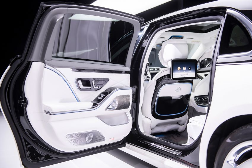 Z223 Mercedes-Maybach S-Class debuts – ultra-posh, tech-loaded flagship limo with 3,396 mm wheelbase Image #1214146