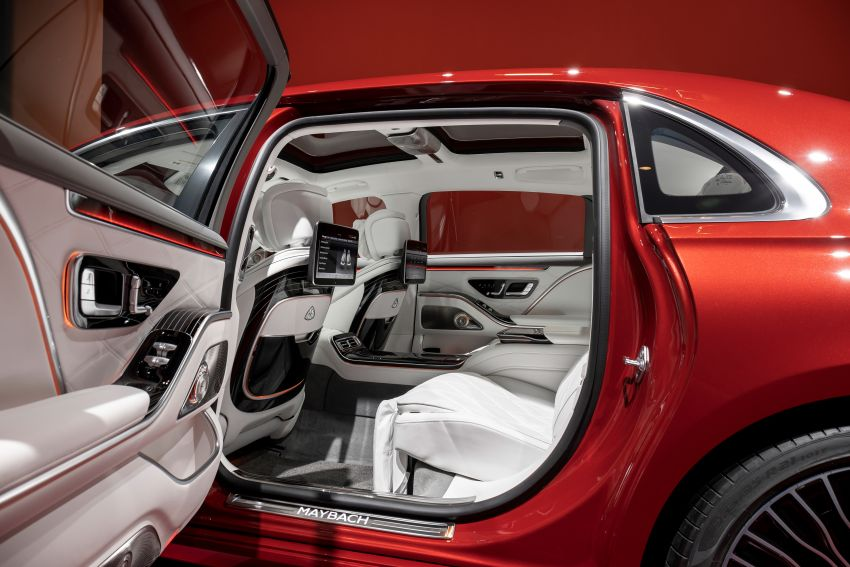 Z223 Mercedes-Maybach S-Class debuts – ultra-posh, tech-loaded flagship limo with 3,396 mm wheelbase Image #1214096