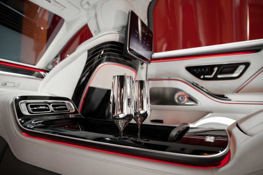 Z223 Mercedes-Maybach S-Class debuts – ultra-posh, tech-loaded flagship limo with 3,396 mm wheelbase Image #1214099