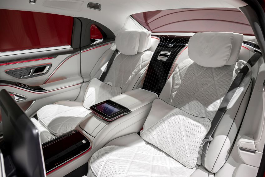 Z223 Mercedes-Maybach S-Class debuts – ultra-posh, tech-loaded flagship limo with 3,396 mm wheelbase Image #1214103