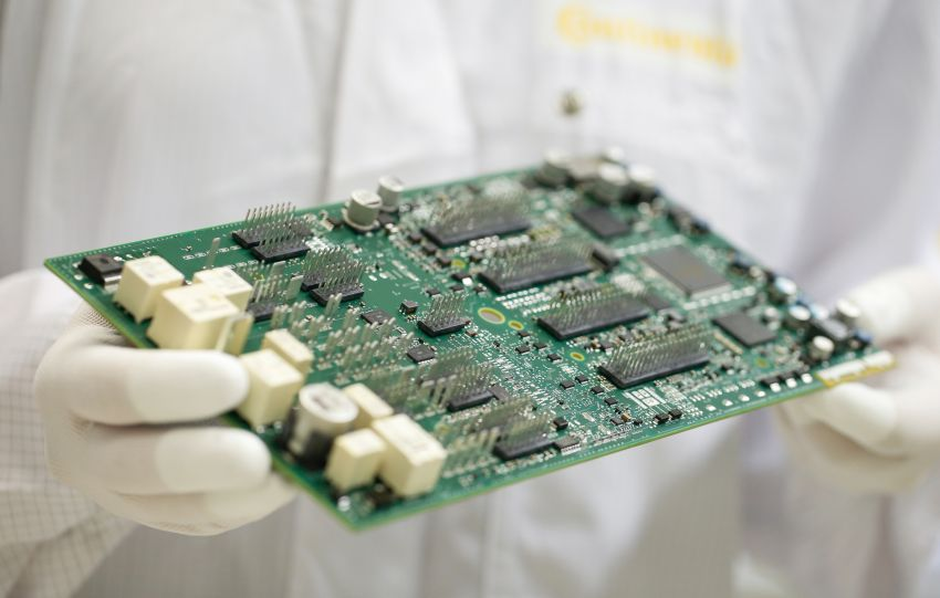 Car production could slow down due to chip shortage Image #1221419