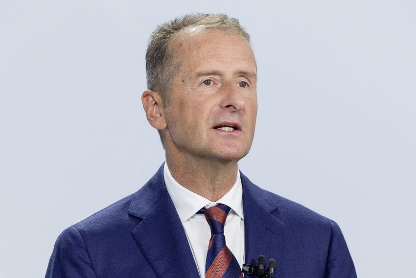 Volkswagen to weigh options for CEO Diess' future Image #1219043