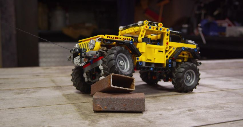 Lego Technic Jeep Wrangler Rubicon revealed – 665-piece set with articulating suspension and winch Image #1220659