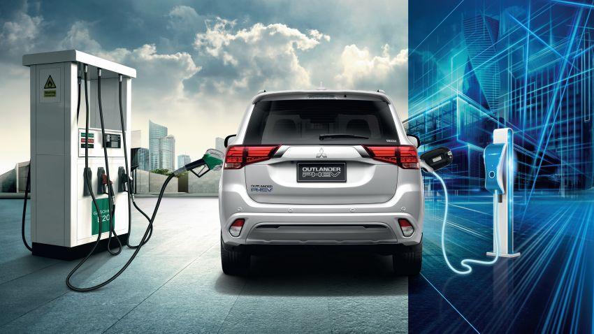 Mitsubishi Outlander PHEV kini di Thai – 55 km bagi pacuan semua-elektrik, 52.6 km per liter, dari RM221k Image #1219155