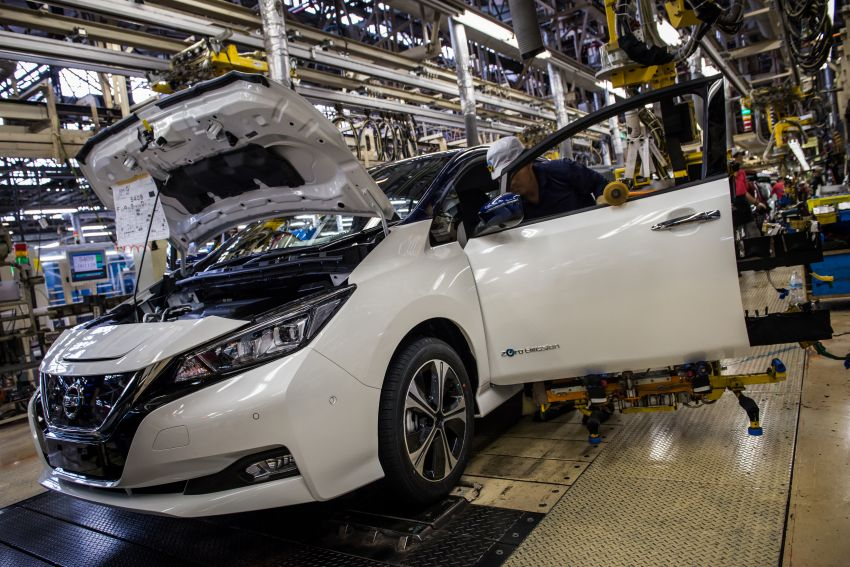 Nissan Leaf turns ten years old: over 500,000 EVs sold Image #1221033