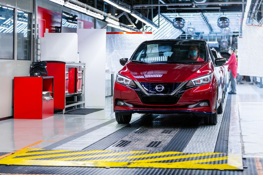 Nissan Leaf turns ten years old: over 500,000 EVs sold Image #1221043