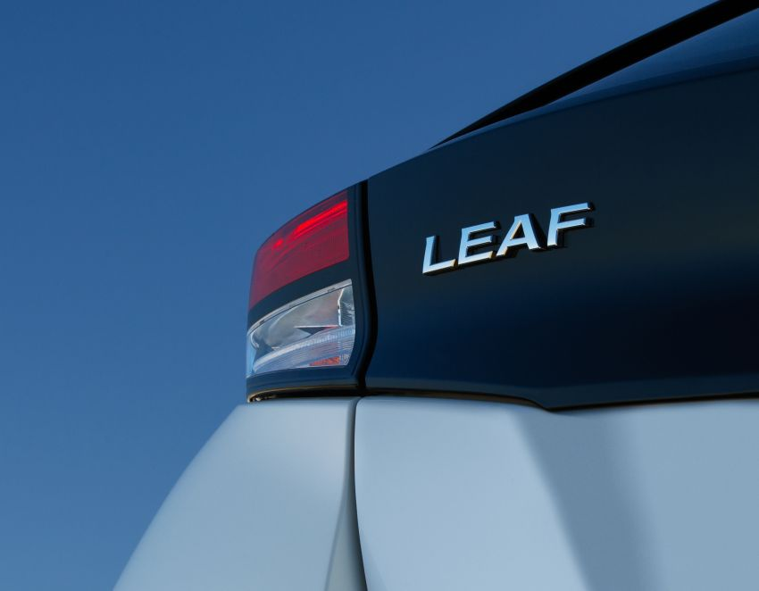 Nissan Leaf turns ten years old: over 500,000 EVs sold Image #1221052