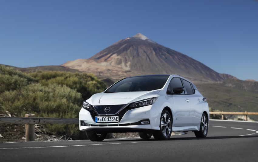 Nissan Leaf turns ten years old: over 500,000 EVs sold Image #1221054