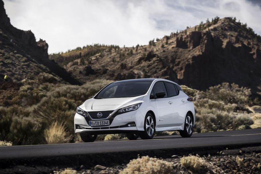 Nissan Leaf turns ten years old: over 500,000 EVs sold Image #1221055