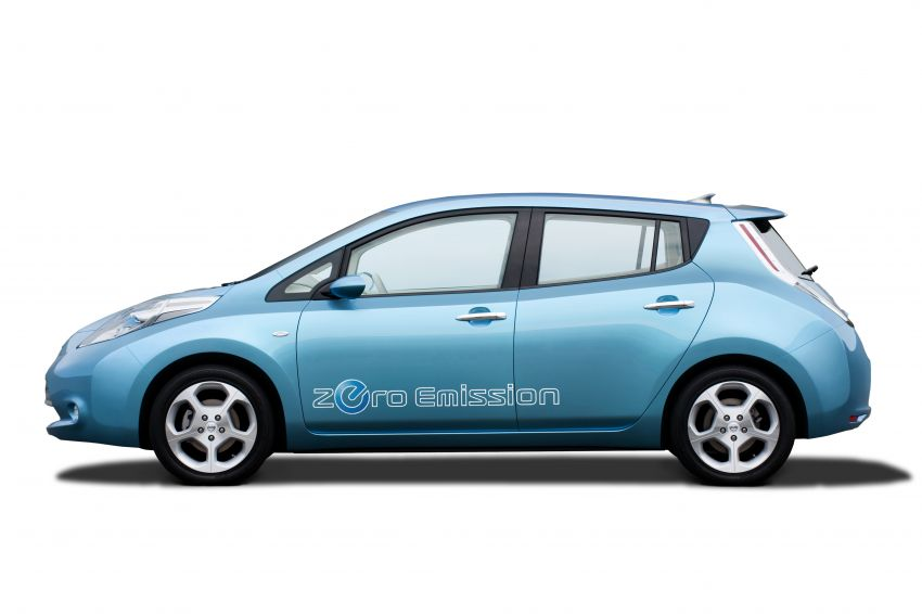 Nissan Leaf turns ten years old: over 500,000 EVs sold Image #1221024