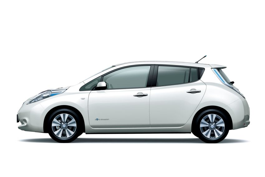 Nissan Leaf turns ten years old: over 500,000 EVs sold Image #1221061