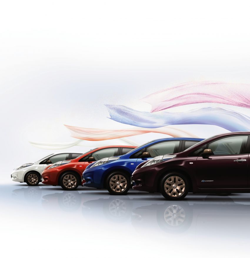 Nissan Leaf turns ten years old: over 500,000 EVs sold Image #1221064