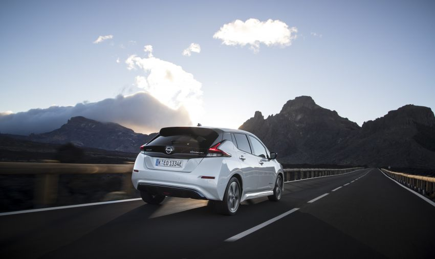 Nissan Leaf turns ten years old: over 500,000 EVs sold Image #1221066