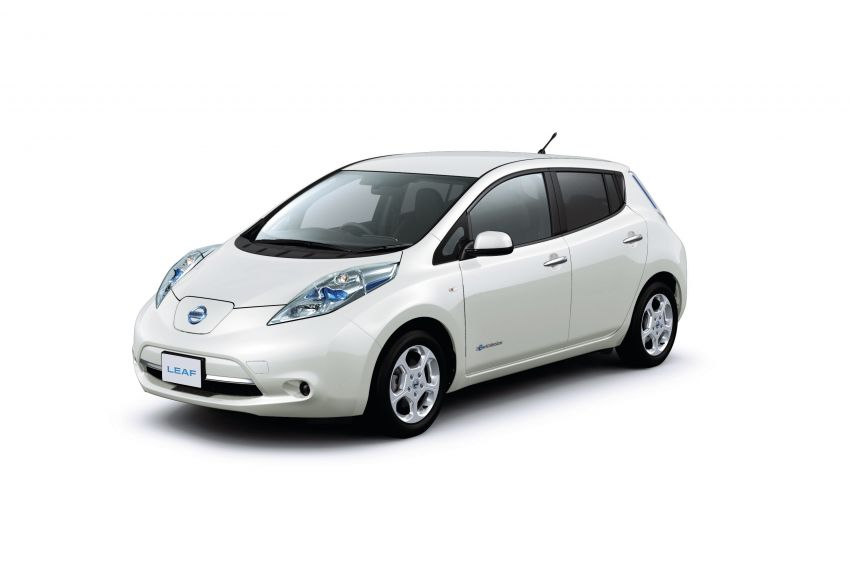 Nissan Leaf turns ten years old: over 500,000 EVs sold Image #1221079