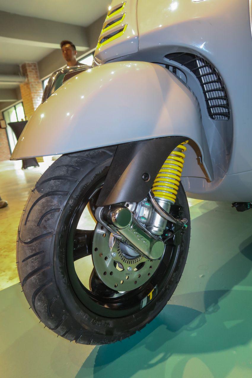 Vespa GTS 300 HPE Super Tech in Malaysia, RM33,000 Image #1220403