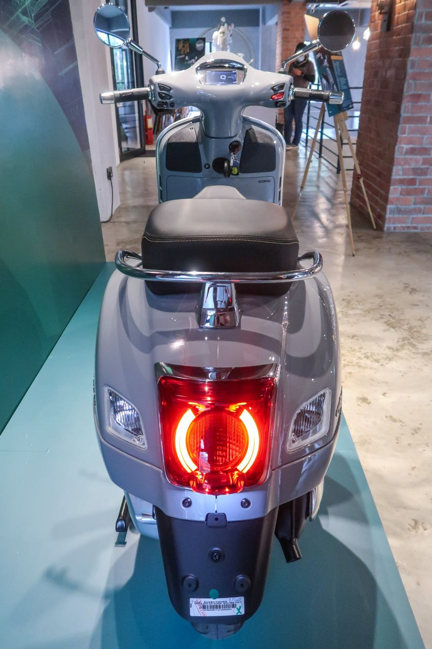 Vespa GTS 300 HPE Super Tech in Malaysia, RM33,000 Image #1220386