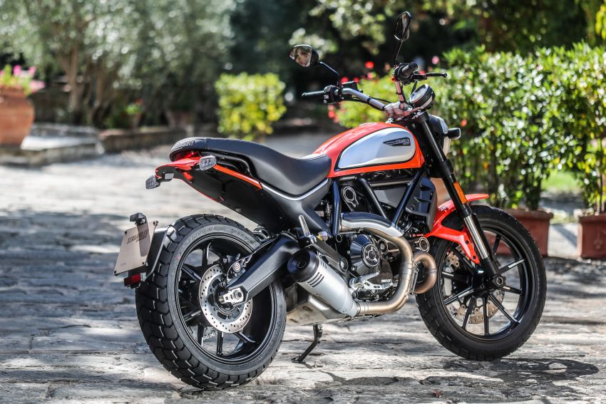 2021 Ducati Malaysia price list updated, new 2021 Ducati Hypermotard 950 RVE priced at RM80,900 Image #1236501