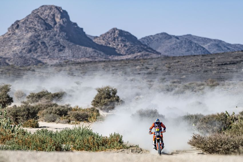 2021 Dakar Rally sees KTM's Toby Price lead the pack Image #1230430