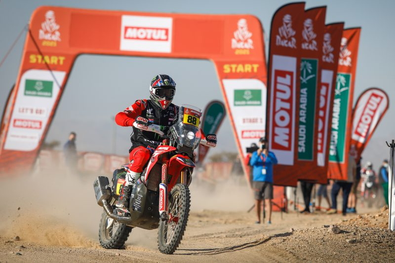2021 Dakar Rally sees KTM's Toby Price lead the pack Image #1230420
