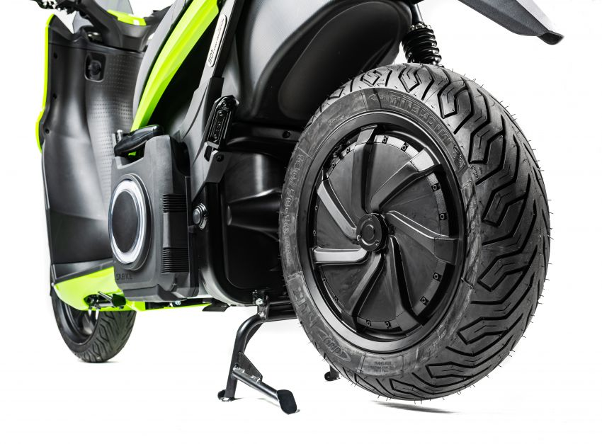 Silence 'e-moto' scooter in UK market, from RM15k Image #1234365