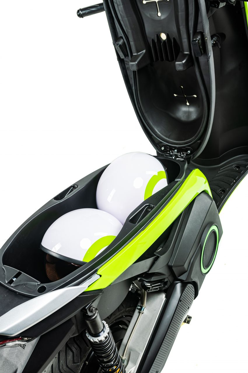 Silence 'e-moto' scooter in UK market, from RM15k Image #1234381