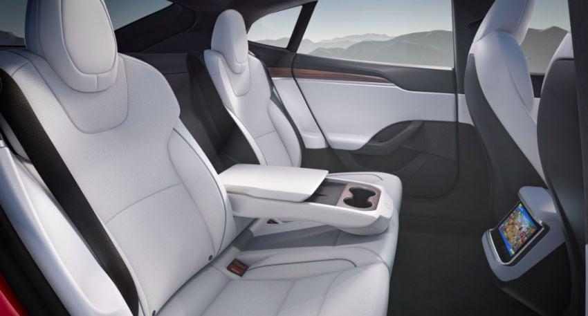 2021 Tesla Model S facelift – new interior with half-rim steering yoke, onboard gaming computer, 1,020 hp Image #1241428