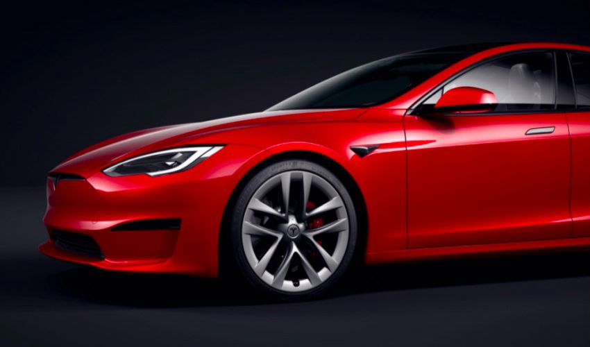 2021 Tesla Model S facelift – new interior with half-rim steering yoke, onboard gaming computer, 1,020 hp Image #1241440