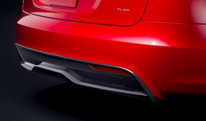 2021 Tesla Model S facelift – new interior with half-rim steering yoke, onboard gaming computer, 1,020 hp Image #1241438