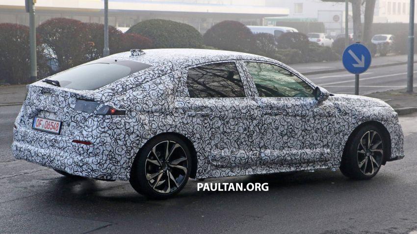 SPIED: 2022 Honda Civic Hatchback caught testing Image #1232080