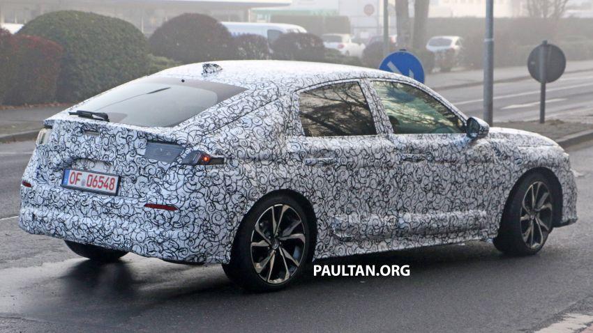 SPIED: 2022 Honda Civic Hatchback caught testing Image #1232081