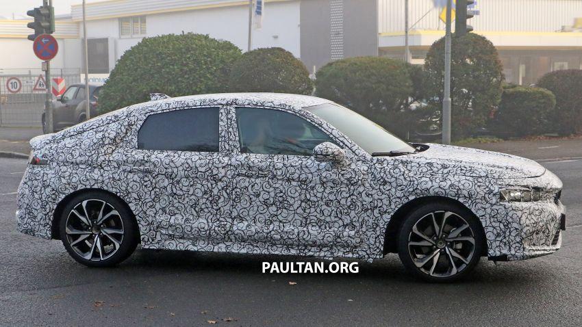 SPIED: 2022 Honda Civic Hatchback caught testing Image #1232077