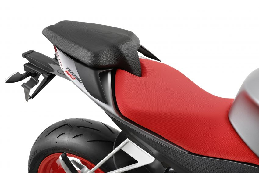 Aprilia Tuono 660 sport naked – 94 hp, 183 kg kerb weight; 47 hp version for restricted license riders Image #1232981
