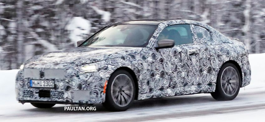 SPYSHOTS: 2021 BMW 2 Series Coupe on winter test Image #1238507