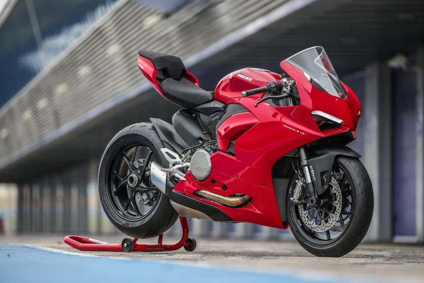 2021 Ducati Malaysia price list updated, new 2021 Ducati Hypermotard 950 RVE priced at RM80,900 Image #1236508