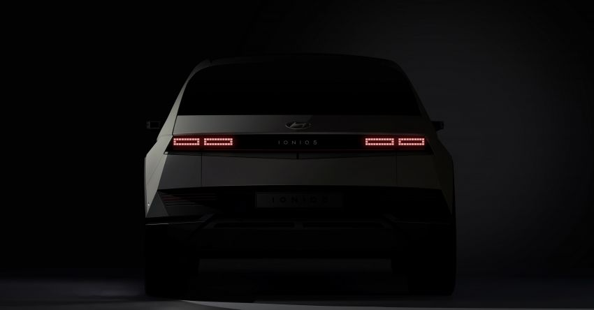 Hyundai Ioniq 5 teased ahead of February debut – 3.5 kW V2L tech for power supply, ultra-fast charging Image #1234227