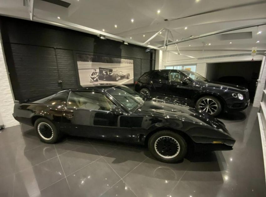 David Hasselhoff's personal KITT car is up for auction Image #1231374