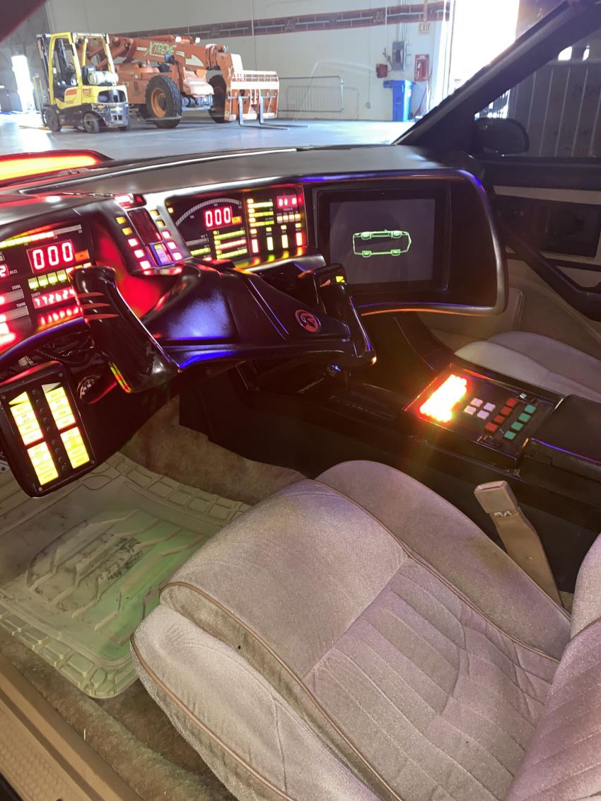 David Hasselhoff's personal KITT car is up for auction Image #1231380