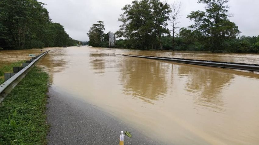 East Coast Highway (LPT1) Karak to Lanchang stretch not passable due to flooding – delay your journey Image #1230647
