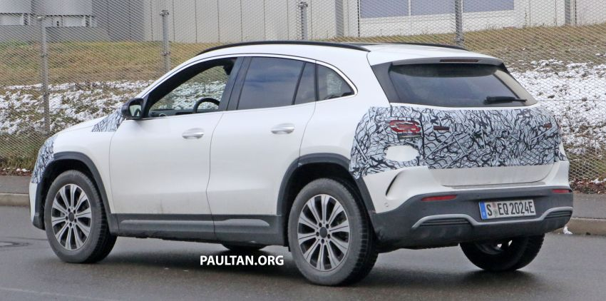 SPYSHOTS: Mercedes-Benz EQA seen with less camo Image #1234599