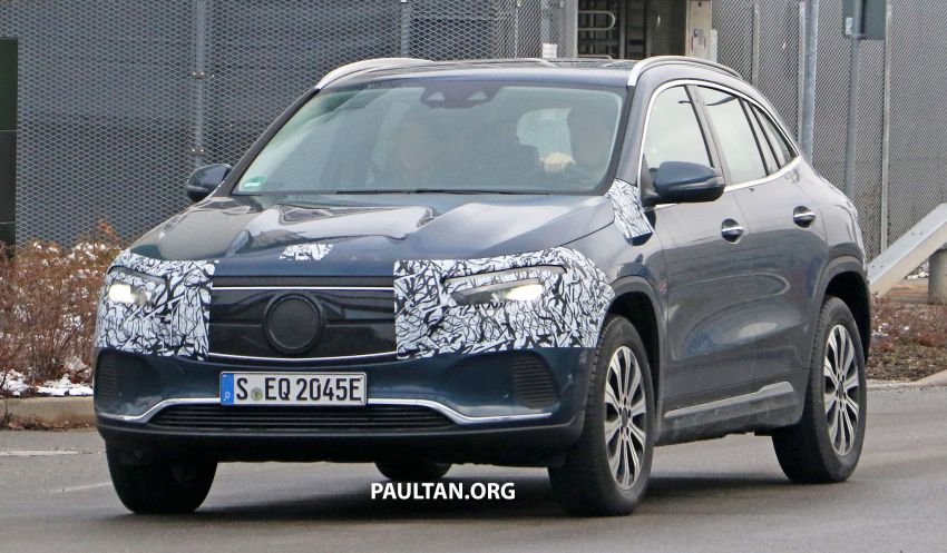 SPYSHOTS: Mercedes-Benz EQA seen with less camo Image #1234603