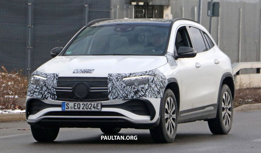 SPYSHOTS: Mercedes-Benz EQA seen with less camo Image #1234585